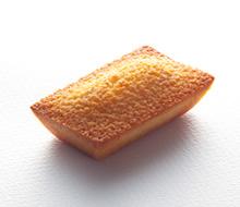 京抹茶のマンマローザを楽しむ / フィナンシェアマンド
